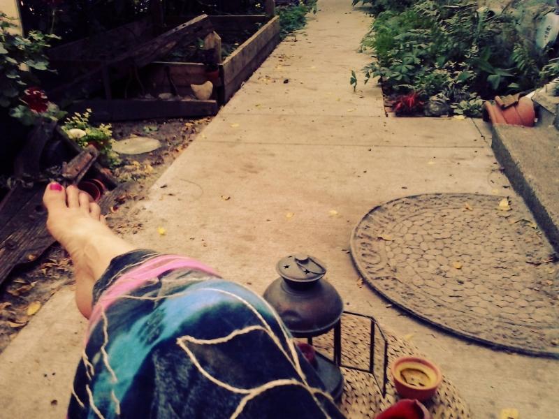 chillaxing in my garden - thetemenosjournal.com