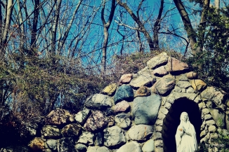 mary-at-the-grotto-0220-d