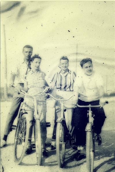 grandma-and-the-bikes