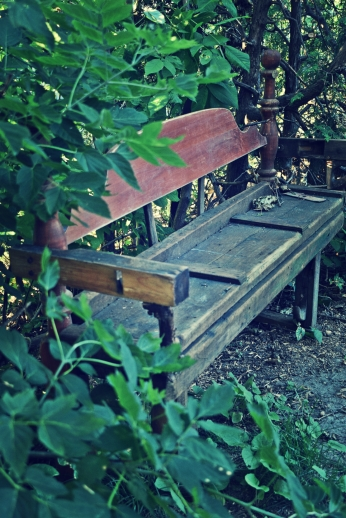 neighbours upcycled bench - thetemenosjournal.com