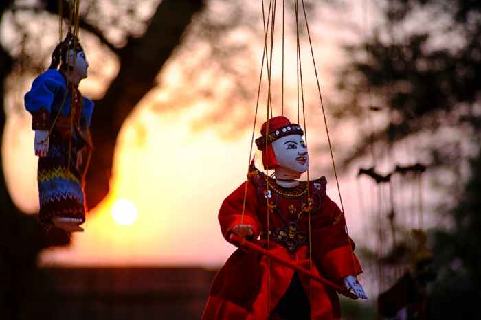 chinese puppet - photo by Min Thein